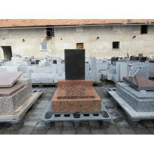 Urnový hrob skladem č. 42