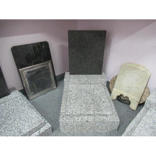 Urnový hrob skladem k5